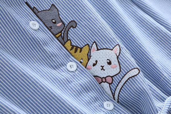 เดรสเชิ้ตแขนยาว เอวผูกจั๊ม ปักลายแมวน่ารัก