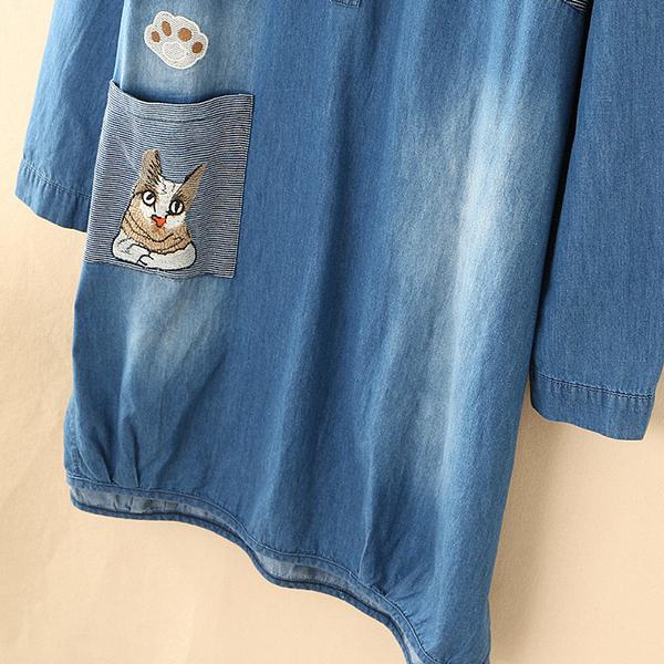 เดรสเชิ้ตผ้ายีนส์ฟอกนิ่ม แต่งกระเป๋าปักลายแมว