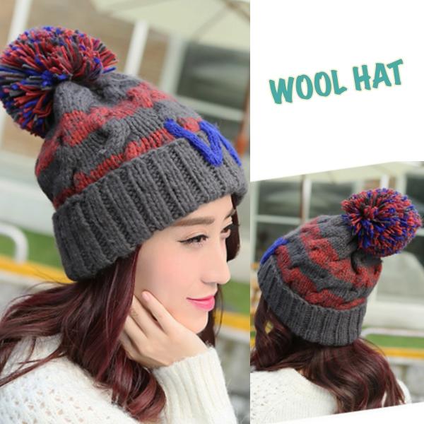 หมวกไหมพรมกันหนาวแบบปิดหู แต่งปอมใหญ่น่ารัก