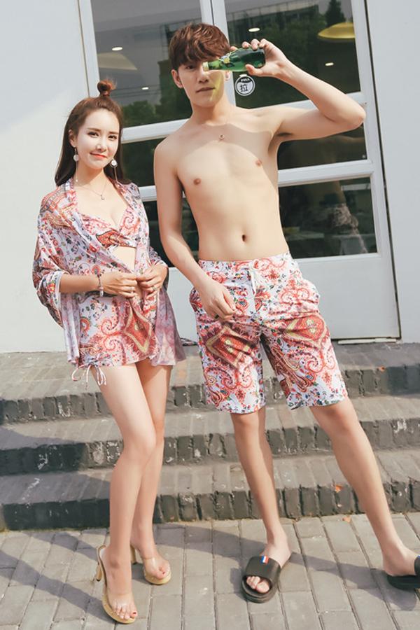 ชุดว่ายน้ำคู่กางเกงลายวินเทจ พร้อมผ้าคลุมเข้าชุด