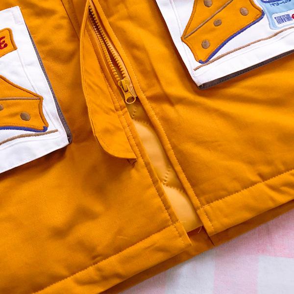 เสื้อโค้ทกันหนาวสีเหลือง มีฮู้ด แต่งกระเป๋าปักลายชีสน่ารัก