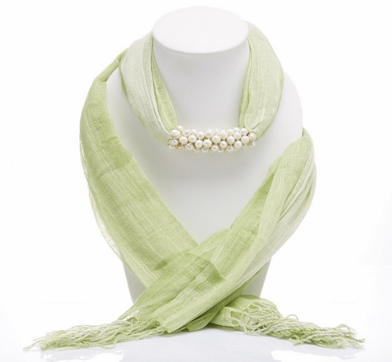 Green Two Tone Scarf Decorated With Freshwater Pearl Length about 150 cm.  (5 ft) Weight Approx 120 grams Material: Freshwater Pearl, synthetic cotton scarf