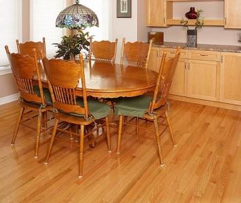 พื้นไม้ โต๊ะไม้