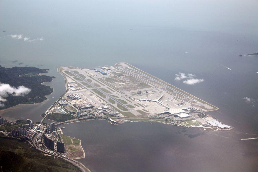 สนามบินฮ่องกง เช็กแล็บก็อก