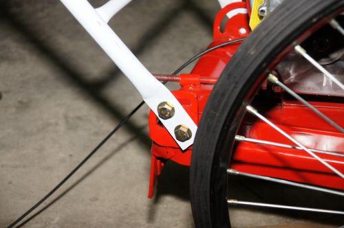 รถตัดหญ้าล้อจักรยาน