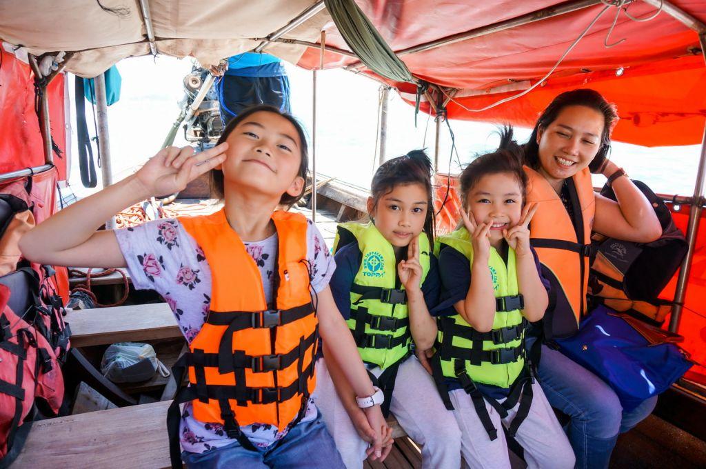ทริปท่องเที่ยวแบบครอบครัว #เดินทางพร้อมเด็ก เมืองกระบี่  ณ. เกาะห้อง , ถ้ำพระนาง , หาดไร่เลย์ ( Railay Beach ) เดือน มีนาคม 2562