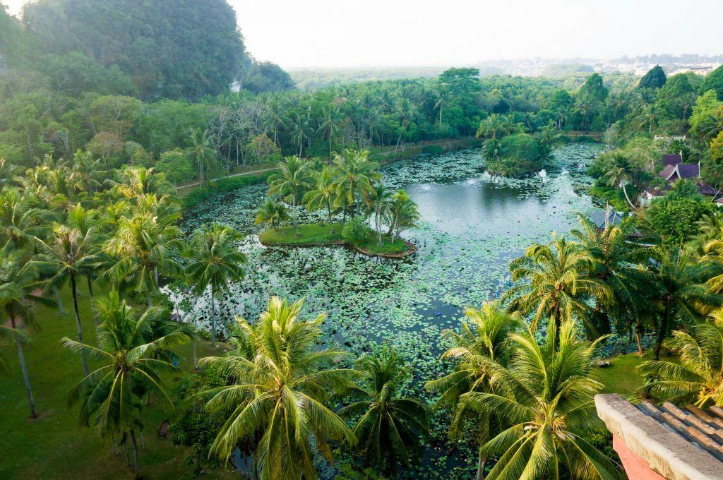 วันที่ 2 เกาะห้อง - เกาะผักเบี้ย - เกาะลากูน - ถ้าพระนาง - หาดไร่เลย์
