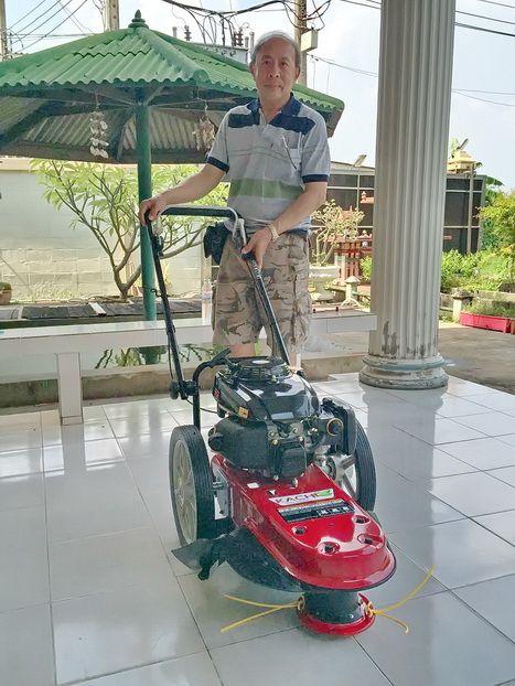 ขอบพระคุณท่านลูกค้า คุณณัฐวุฒิ จากรามอินทรา ได้เดินทาง มาทดสอบและสั่งซื้อรถตัดหญ้า มินิ 2 in 1 ติดตั้งเครื่องยนต์ KACHI 5.5 แรงม้า โดยให้ทางโรงงานสอนวิธีการใช้งานและการบำรุงรักษาให้เรียบร้อยแล้วครับ