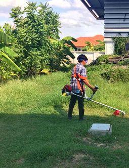เครื่องตัดหญ้าสะพายหลัง HONDA UMK435T และชุดตลับเอ็นตัดหญ้าชนิดเหล็ก
