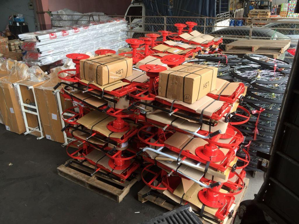 ✌️✌️🙏🙏ขอบพระคุณท่านลูกค้า บริษัทค้าส่งข้ามประเทศ ได้สั่งซื้อ รถตัดหญ้า รุ่นปั้มตัวถัง แบบล้อจักรยาน ขนาด 26 นิ้ว ชนิดยางตัน พร้อมอะไหล่ครบชุด โดยทางโรงงานได้จัดส่งค้าที่บริษัทขนส่งให้เป็นที่เรียบร้อยแล้วครับ สามารถดูรายละเอียดเพิ่มเติมได้ที่ www.thailandmower.com #รถตัดหญ้าฮอนด้า #รถตัดหญ้าHONDA #รถตัดหญ้า4ล้อสนาม #เครื่องตัดหญ้าHONDA #เครื่องตัดหญ้าฮอนด้า #รถตัดหญ้า มินิ 2 IN 1 ✌️✌️🙏🙏