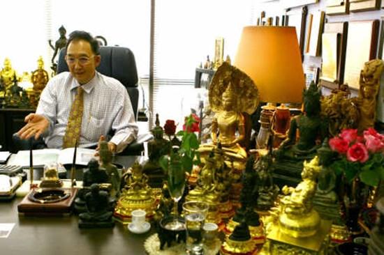 นายธัลดล บุนนาค ประธานเอไอเอ (ประเทศไทย)