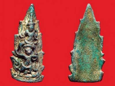 พระนารายณ์ทรงครุฑ ศิลปะสมัยลพบุรี ของ นพ.ทวีชัย จันทร์เพ็ญ