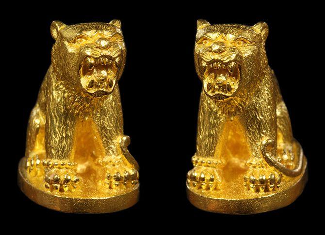 เสือพยัคฆ์ทักษิณ ปราบไพรี รุ่นแรก หลวงพ่อโปร่ง วัดถ้ำพรุตะเคียน เนื้อทองคำ