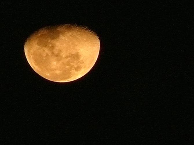 วันขอเงินพระจันทร์ 2558 และวันฤกษ์ดีขอพรจากพระจันทร์