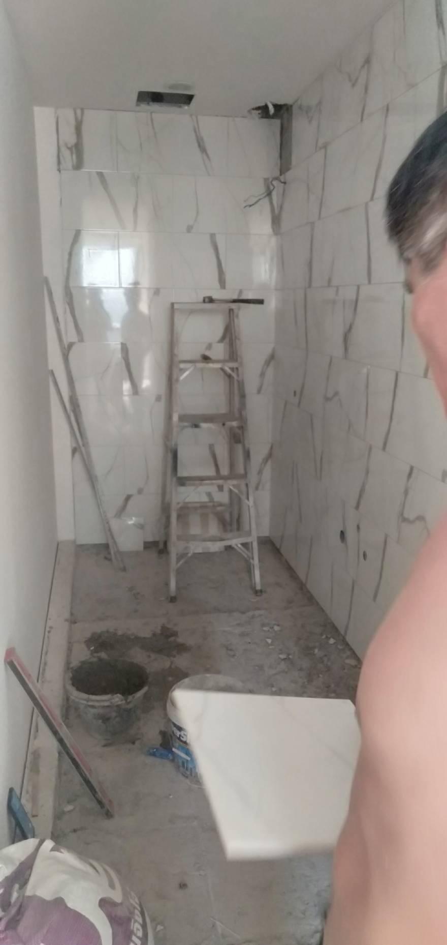 ช่างกระเบื้อง มืออาชีพ รับทำงาน ห้องน้ำ ครัว 0928816178