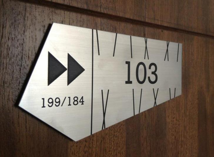 ป้ายบ้านเลขที่สแตนเลส Replay สแตนเลสแฮร์ไลน์ เกรด 304 กัดกรด ลงสี