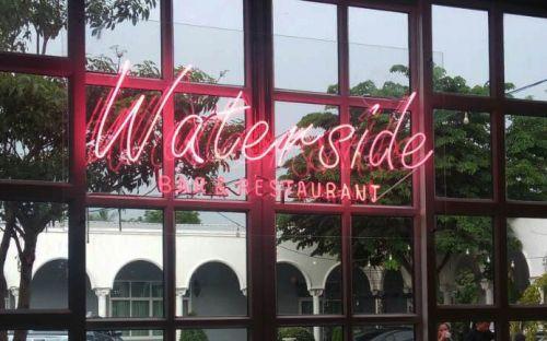 นีออนดัเ สีชมพู Waterside restuarant