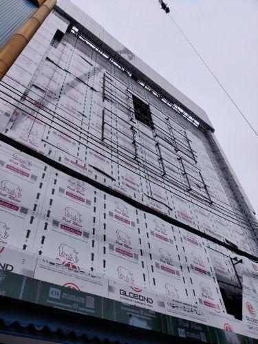 งานอลูมิเนียมคอมโพสิท หน้าอาคาร เตียวโม่วเส็ง SKF เยาวราช
